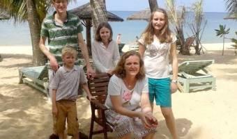 Famille de Madame Elisabeth DE LAUBESPIN - 6 personnes